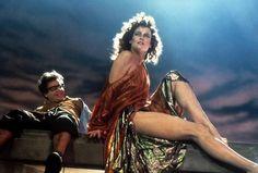Rejoice! Sigourney Weaver will return for the #Ghostbusters reboot: http://trib.al/Rj4nCyu