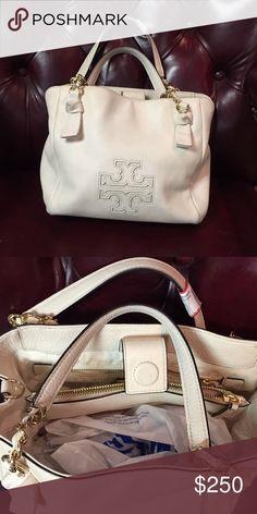 Tory Burch handbag Gorgeous bag! Excellent condition Tory Burch Bags Shoulder Bags