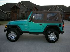 Oh my gosh, is this real life?! 1997 Teal Jeep Wrangler, I want it!