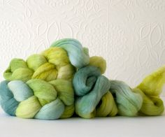 Bluefaced Leicester combed top 'Wiggly by ArtistsPaletteYarns