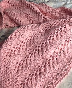 Free Knitting Pattern for 4 Row Repeat Little Dove Baby Blanket - Little Dove is knit using a simple 9 stitch 4 row pattern repeat that is framed by rows of seed stitch. Designed by Anat Rodan. Pictured project by MaggieLoux - Crochet Lace Knitting Patterns, Free Knitting, Knitting Scarves, Lace Knitting Stitches, Punto Zig Zag Crochet, Crochet Shawl, Crochet Baby, Tricot D'art, Free Baby Blanket Patterns