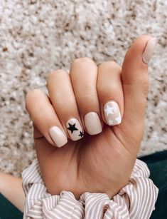 Love these nails! Such a fun theme Love these nails! Such a fun theme Aycrlic Nails, Star Nails, Cute Nails, Pretty Nails, Hair And Nails, Star Nail Art, Cute Shellac Nails, Coffin Nails, Simple Acrylic Nails