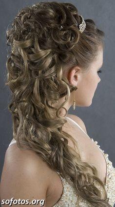 Penteado para noivas cabelo longo