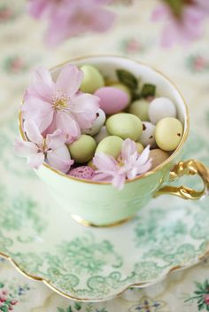 Decorate: Spring lunch | Inspiration | Homes and Antiques