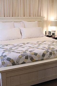 DIY Farmhouse Bed (Ana White)
