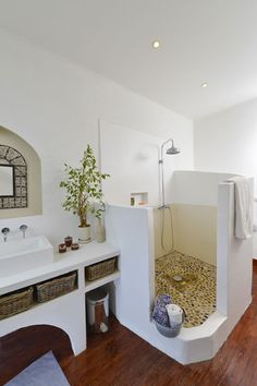 minor bathroom remodel is totally important for your home. Whether you pick the remodel a bathroom or wayfair bathroom, you will make the best remodeling bathroom ideas diy for your own life. Bad Inspiration, Bathroom Inspiration, Tadelakt, Small Bathroom, Bathroom Ideas, Serene Bathroom, Bathroom Modern, Bathroom Spa, Remodel Bathroom