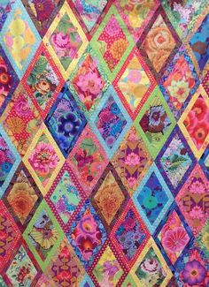 BORDERED DIAMONDS Quilt XL Fabric Pack 17.5 yards     all