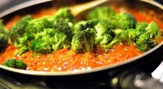 Tired of boring #broccoli? Learn 5 ways to cook broccoli - Read the #recipes : http://www.finedininglovers.com/blog/food-drinks/how-to-cook-broccoli/