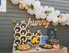 Honey Bee First Birthday Party (Inspired By This) Honigbiene erste Geburtstagsfeier Baby Girl First Birthday, First Birthday Parties, First Birthdays, Birthday Ideas, First Birthday Crafts, Birthday Bash, Bumble Bee Birthday, Future, Party Ideas
