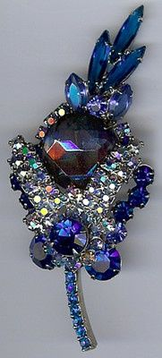 JULIANA VINTAGE BLUE FACETED GLASS RHINESTONE SPARKLE PIN