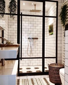 Home Interior, Bathroom Interior, Bathroom Inspo, Bathroom Ideas, Black White Bathrooms, Mold In Bathroom, Master Bathroom, Farmhouse Side Table, Cute Dorm Rooms