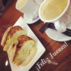 ¡Buenos días! ¿Alguien se apunta a un café y a un pincho de tortilla para empezar bien el día?  #ideassoneventos #blog #bloglovin #organizacióndeventos #comunicación #protocolo #imagenpersonal #bienestarybelleza #decoración #inspiración #bodas #buenosdías #goodmorning #jueves #thrusday #happy #happyday #felizdía #desayuno #breakfast #pinchodetortilla #café #ricorico #ñamñam #instafood