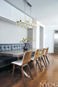 Designer Tori Golub Puts Her Signature Spin on a Carnegie Hill Apartment - Cottages & Gardens Eat In Kitchen, Kitchen Reno, Hotel Restaurant, Restaurants, Dining Area, Dining Rooms, Sweet Home, House Design, Interior Design