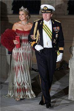 La abdicación de Beatriz de Orange en favor de su hijo, el Príncipe Guillermo, convierte a su esposa en la nueva Reina de los Países Bajos. Repasamos el estilo sob ...