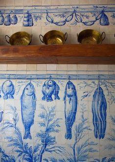 Portuguese Tiles, Portuguese Culture, Turkish Tiles, Moroccan Tiles, Handmade Tiles, Colorful Fish, Tropical Fish, Ceramic Design, Mosaic Tiles
