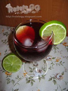 Cranberry vodka http://retetegg.blogspot.com/2012/01/cranberry-vodka.html