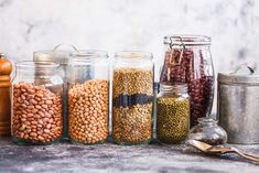 When it comes to cooking with beans, are canned beans or dried beans a better option? The answer to this depends on a few factors. Non Perishable Foods, Emergency Food Supply, Fiber Rich Foods, Types Of Vegetables, Organic Seeds, Dried Beans, Survival Food, Survival Skills, Food Waste