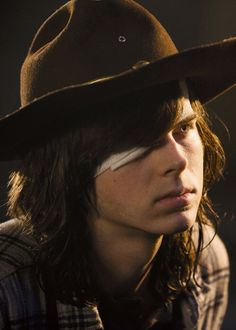 Carl 7x01'The Day Will Come When You Won't Be'