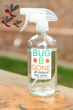 Keep the mosquitoes and bugs away with this all natural bug b gone bug spray. Simple to make, and smells good, too! Essential oils Lemongrass, Citronella, Rosemary and Spearmint - add witch hazel and water - refreshing and Easy! Diy Cleaning Products, Cleaning Hacks, Diy Products, Household Products, Homemade Products, Cleaning Recipes, Diy Hacks, Household Tips, Diy Spring