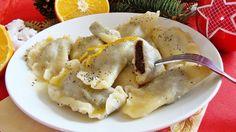 Pierogi z makiem i sosem pomarańczowym - Pierożki z makiem polane sosem z pomarańczy to idealne połączenie!