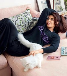 Jacqueline Fernandez for Vogue India 2017 photoshoot Mode Bollywood, Bollywood Stars, Bollywood Fashion, Bollywood Images, Jacqueline Fernandez, Most Beautiful Indian Actress, Beautiful Actresses, Beautiful Ladies, Bollywood Celebrities