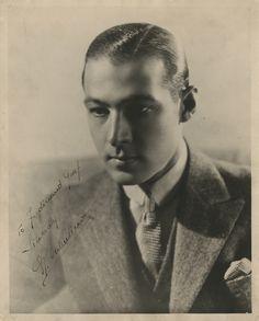 Rudolph-Valentino-vintage-signed-photograph.jpg (1000×1243)
