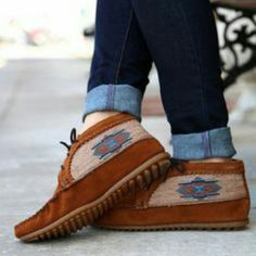 Minnetonka el paso booties These mocassin booties are super cute and add an original flare to your style.  Very versatile,  can be worn with jeans or a cute dress. Minnetonka Shoes Ankle Boots & Booties