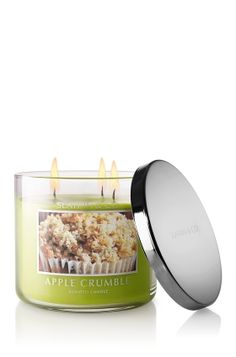 If you love BBW candles and Fall scents, you WILL love this Apple Crumble Candle. <3 yummmm
