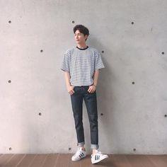 Pin by anton ventura on outfit in 2019 erkek giyim, giyim, kıyafet. Korean Fashion Summer, Korean Fashion Men, Asian Fashion, Mens Fashion, Stylish Mens Outfits, Casual Outfits, Fashion Outfits, Fasion, Urban Street Style