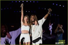 Taylor Swift Teams Up With Fetty Wap for 'Trap Queen' in Seattle - Watch Now!