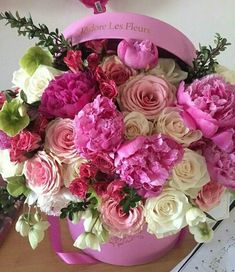 Beautiful Rose Flowers, Beautiful Flower Arrangements, Pink Flowers, Floral Arrangements, Beautiful Flowers, Birthday Wishes Flowers, Happy Birthday Flower, Flower Box Gift, Flower Boxes
