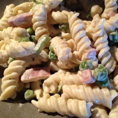 Am I crazy, or is the pasta salad on Ruby Tuesday's salad bar that has peas, spiral pasta, and smoked turkey AMAZING?