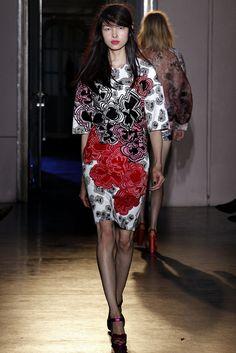 Rue du Mail Spring 2013 Ready-to-Wear Fashion Show - Fei Fei Sun (Elite)