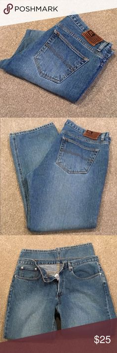 "👢👜Ralph Lauren jeans 💯 cotton (sz 14) 👢👜 Measures: waist 36"" rise 10"" hips 40"" leg inseam 28"" leg opening 8"". These are more high waisted jeans. 💯% cotton. No stretch in these pups. Excellent condition. Straight leg. Classy look. Polo by Ralph Lauren Jeans Straight Leg"