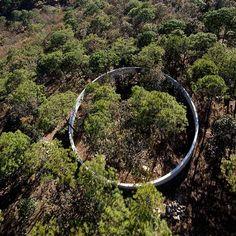 Dellekamp Arquitectos & Periférica . lookout point on la ruta del peregrino, Jalisco, Mexico