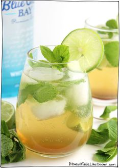 Agave Green Tea Mojitos - it doesn't taste like chicken tea drink Iced Tea Cocktails, Cocktail Drinks, Cocktail Recipes, Green Tea Cocktail, Green Tea Drinks, Green Tea Smoothie, Stop Drinking Alcohol, Drinking Tea, Summer Drinks