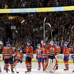 #FarewellRexall had some great times and memories over the last 4 years here. From Scrivens record setting shut out seeing my childhood favourite team watching my favourite player play against the oilers Leon Draisaitl first goal and Connor McDavid first game in Rexall and of course the famous beers the list of memories goes on. Excited for a new chapter at Rogers Place! #oilers #seasonseats #hockey #game #nhl #rexallplace #memories #oil #crackbeers by aaronbungay