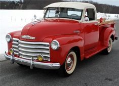 Chevy trucks aficionados are not just after the newer trucks built by Chevrolet. They are also into oldies but goodies trucks that have been magnificently preserved for long years. American Pickup Trucks, Vintage Pickup Trucks, Classic Pickup Trucks, Antique Trucks, Vintage Cars, Antique Cars, Chevy Pickups, Chevrolet 3100, Chevrolet Trucks