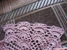 Kumaşla Örgü Kız Çocuk Elbise Modelleri ve Yapılışı 9 Easy Crochet Patterns, Crochet Motif, Crochet Designs, Baby Patterns, Crochet Stitches, Knit Crochet, Filet Crochet, Crochet Baby Sweaters, Crochet Mittens