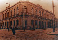 Louvre, Building, Travel, Design, Shells, Antique Photos, Souvenirs, Santiago, Souvenir