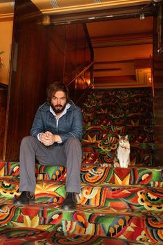 Angus Sampson with Marzipan, the much loved and reported upon official cat of Melbourne's Astor Theatre.    Photo: Andrew Tauber