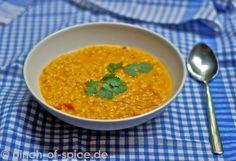 Dhal ist eines meiner liebsten indischen Gerichte. Einfach deshalb, weil es so unglaublich vielseitig ist - man ist flexibel in der Wahl der Linsen, in der Konsistenz, in der Schärfe. Aber so wie d...