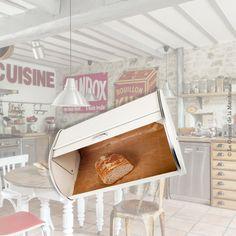 Huche / Boîte à pain en métal, beige et Chrome, vintage 29,00 € TTC Le Grenier de la Mandoune http://legrenierdelamandoune.com #legrenierdelamandoune