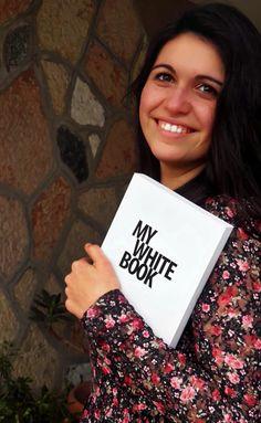 """Oggi conosciamo meglio Costanza Biasibetti, l'autrice di INTERMITTENZE, uno dei racconti selezionati nel concorso """"MYBOOK Tell Your Story #1"""" by NAVA. http://www.navadesign.com/it/blog/intermittenze-costanza-biasibetti/"""