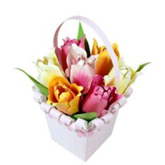 Bouquet (tulips) - Paper flowers - Gift Items - Gift & Card - Canon CREATIVE PARK. click on link for free template. http://cp.c-ij.com/en/contents/3202/00322/index.html