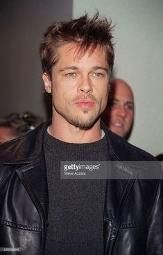 Portrait of Brad Pitt. Get premium, high resolution news photos at Getty Images Cabelo Do Brad Pitt, Brad Pitt Hair, Brad Pitt And Angelina Jolie, Celebrity Moms, Celebrity Crush, Celebrity Style, Celebrity Photos, Brad Pitt News, Bratt Pitt
