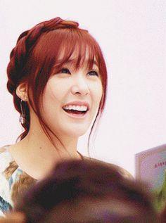 Tiffany Hwang SNSD Girls' Generation Smiley Girl GIF
