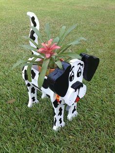 Wooden Planters - Dalmatian With Dog Tag Also have Pig, Frog, Swan and Cow available Well built - Nailed and Glued Planter sprayed with Lacquer for more protection Wooden Planters, Outdoor Planters, Wooden Garden, Planter Boxes, Wooden Crafts, Diy Wood Projects, Wood Animal, Kids Wood, Wood Creations