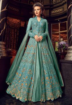 Green Embroidered Lehenga / Pant Style Anarkali features a premium net top with embroidery. Comes with banglory silk bottom and santoon inner with premium net dupatta. Indian Gowns, Pakistani Dresses, Indian Outfits, Costumes Anarkali, Anarkali Dress, Long Anarkali, Anarkali Suits, Lehenga Style, Silk Lehenga