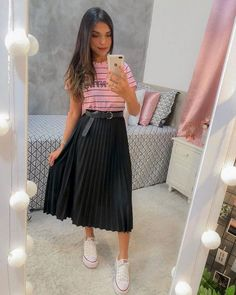 Cute Modest Outfits, Long Skirt Outfits, Casual Dresses, Girl Outfits, Long Skirt Fashion, Modest Fashion, Fashion Dresses, Conservative Outfits, Skirt And Sneakers